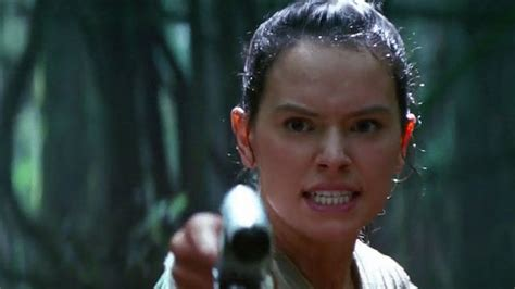 'Star Wars' Fan Theory Suggests Rey is From the Dark Side